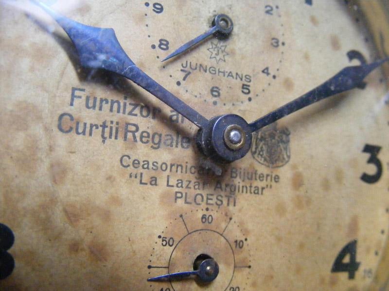 Junghans - ceas de masa tip CFR | La Lazar Argintar / Furnizor al Curtii Regale