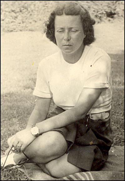 Mariana Dragescu - 1945