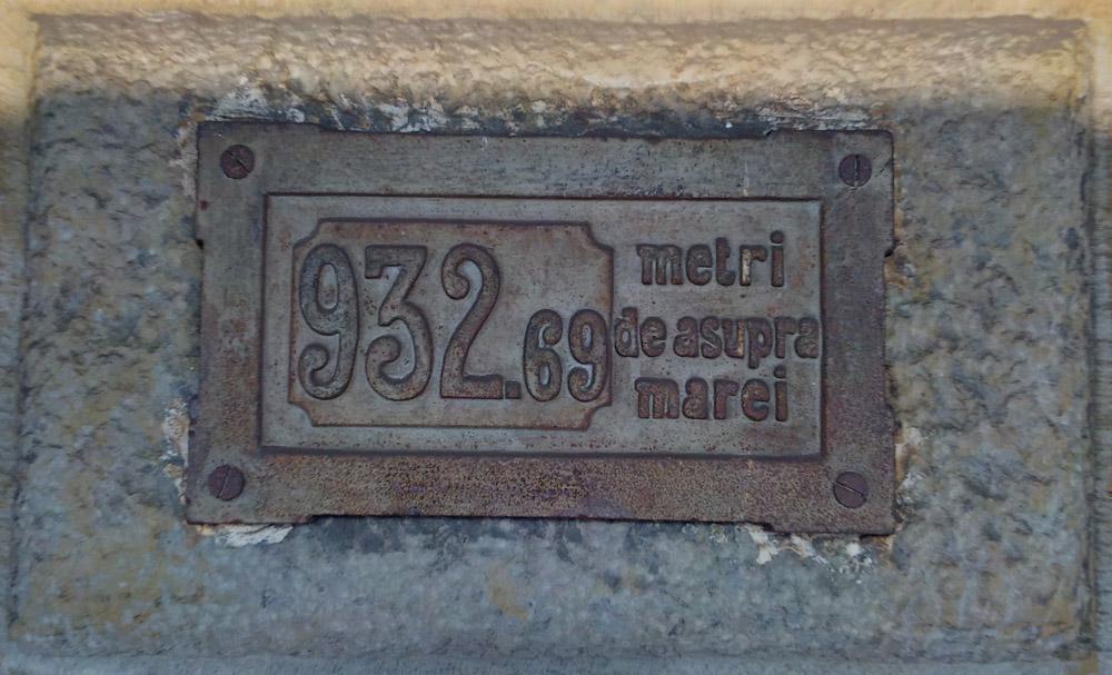 gara Azuga | placa altitudine constructie
