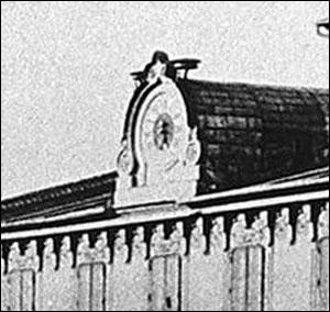 ceas fatada (detaliu) | Casa Resch (foto: Carol Popp de Szathmari | 1875)