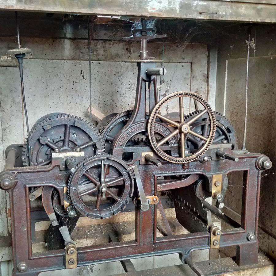 mecanism ceas de turn - Gebruder Resch - 1873 | biserica fortificata Vulcan (jud. Brasov)