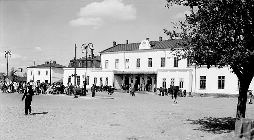 gara Craiova  - perioada interbelica | ceas de fatada