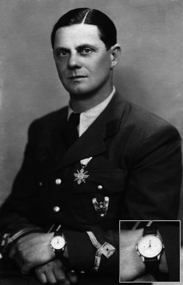 Ion Radulescu | pilot militar WW2 - director scoli zbor ARPA | ceas Universal Geneve - Aerocompax | anii '940 (imagine prin amabilitatea - Horia Stoica)