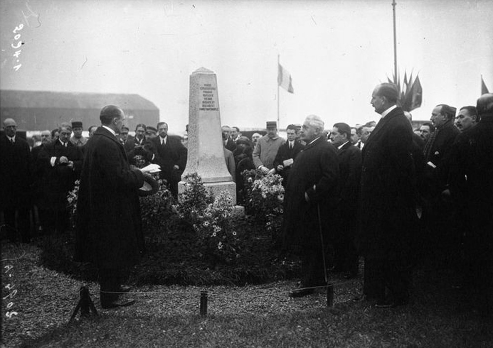 monument C.F.R.N.A. 12.11.1922 | Paris - Le Bourget (sursa foto: Agence Meurisse)