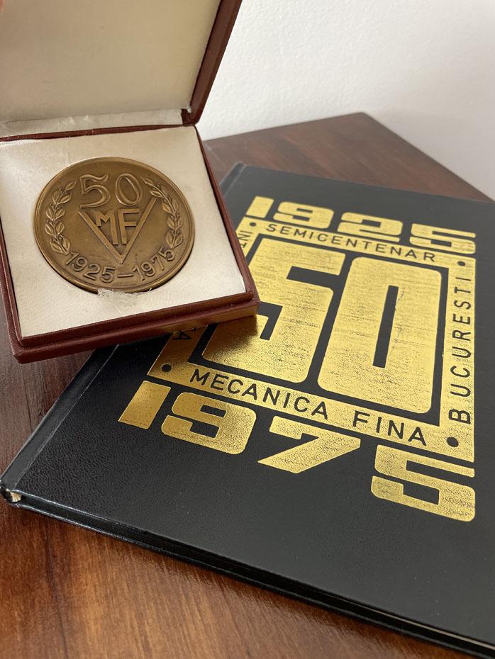 medalie si volum aniversar Mecanica Fina 50 ani (1925-1975)