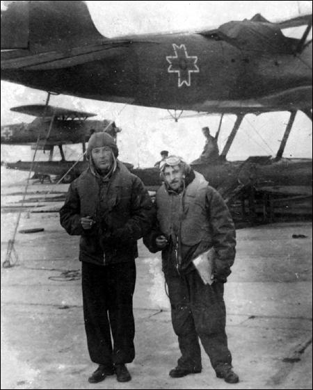 1942 | baza aeriana Hagi Bey (Odesa) lt.-av. Traian Popteanu | slt.-obs. Franklin Petrescu