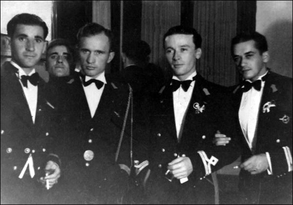 piloti Flotila Hidroaviatie | 1939 (in tinuta de gala la un banchet)