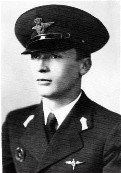 comandor-av. Traian Popteanu (n. 7.04.1912 - d. 4.01.1997)